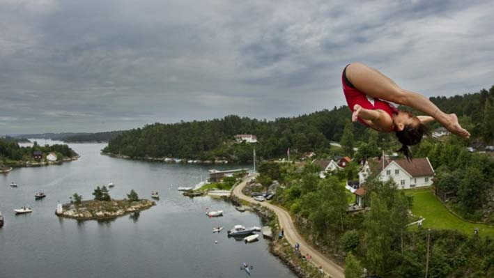 RED BULL CLIFF DIVING OTVARA VRATA ŽENSKOJ KONKURENCIJI